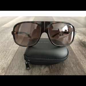 Marc by Marc Jacobs collapsible oversized aviators